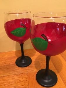 Custom Wine Glasses for teachers gift with apples