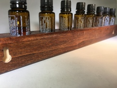 Oil Holder with two keyholes for wall mounting